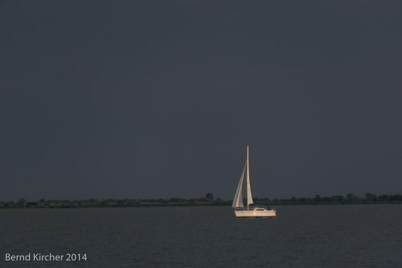 Segelboot kurz vor einem Regen