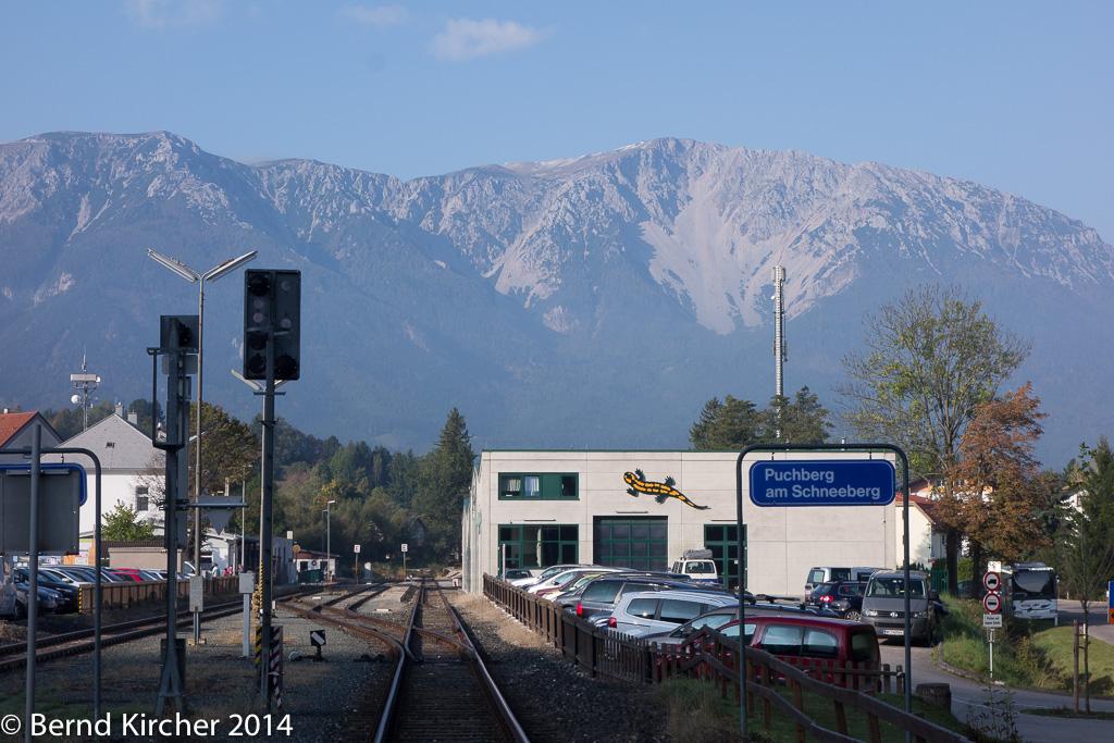 Herrliches Wetter um 9:30 - direkt am Bahnhof in Puchberg am Schneeberg